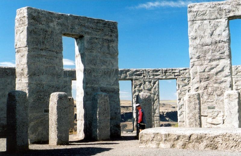 maryhill-wa-stonehenge1