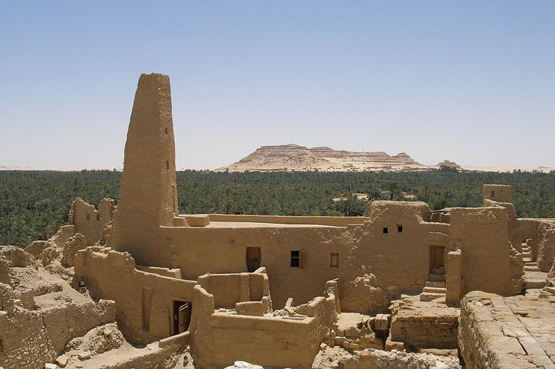 800px-Temple_of_the_Oracle_of_Amun_at_Siwa_Oasis_(2007)